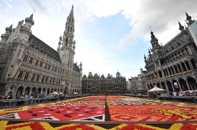 Belgas fazem tributo à Arte Africana com mais de 600.000 begônia