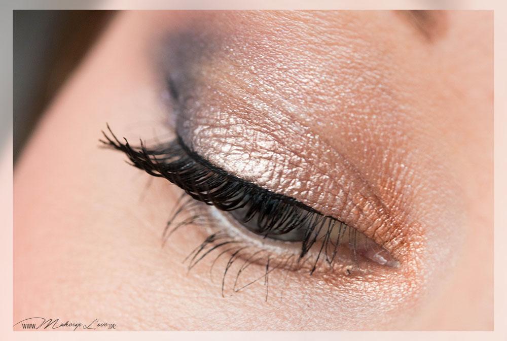AMU Look MAC Electric Cool Eyeshadow Superwatt