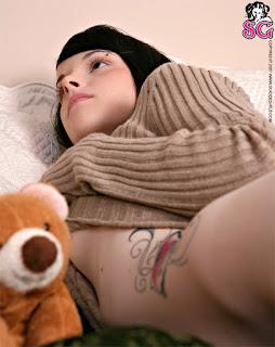 Hot Naked Girl - Bin_%2528SG%2529_Bear_Necessities_23.jpg
