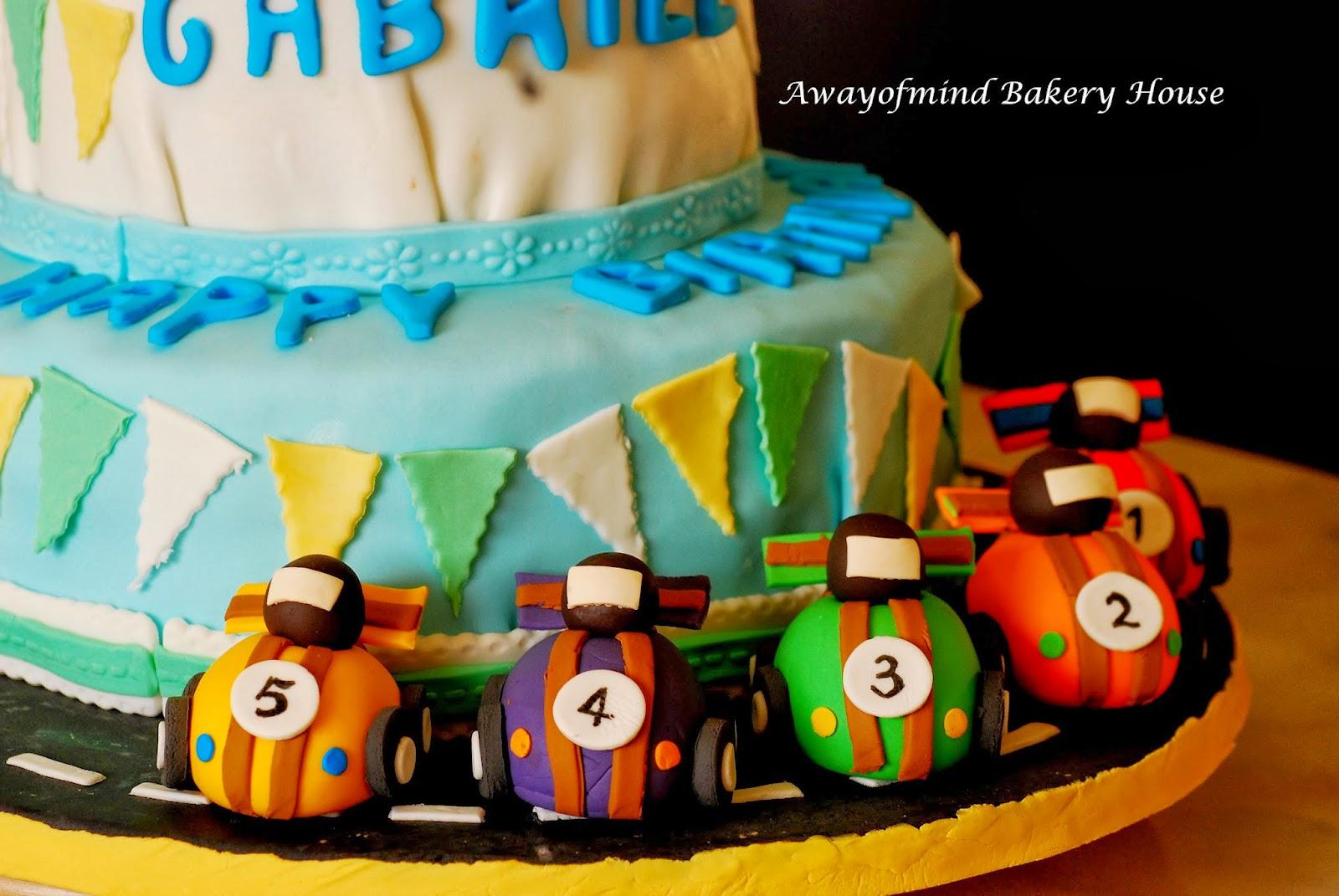 Awayofmind Bakery House: Fondant Race Cars Cake