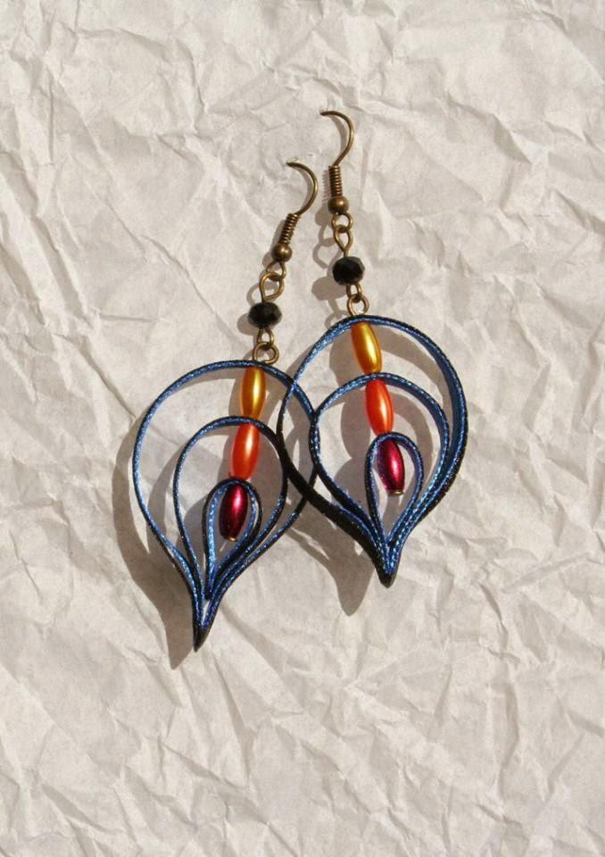 Csepp alakú egyedi kézzel készített fülbevaló szalagokból