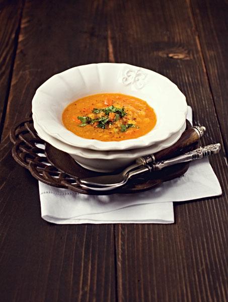 Zuppa Indiana di Lenticchie Rosse e Piselli Spaccati Gialli