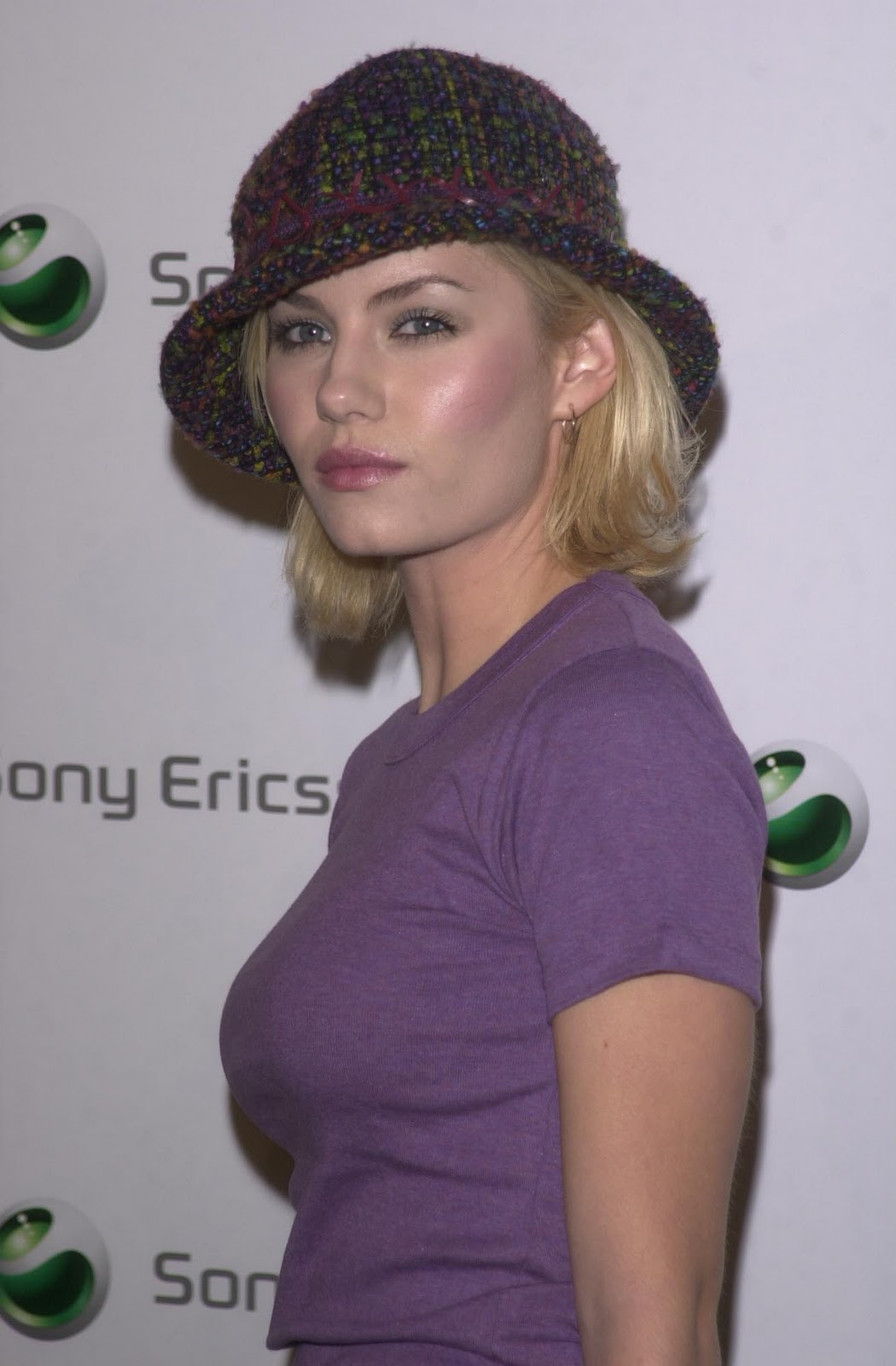 http://2.bp.blogspot.com/-jv7762NBWgw/Tn6PZyrLi6I/AAAAAAAAAkY/01JcHJSurHA/s1600/Elisha-Cuthbert-pics-images-photos-movies-actress-flims+1.jpg