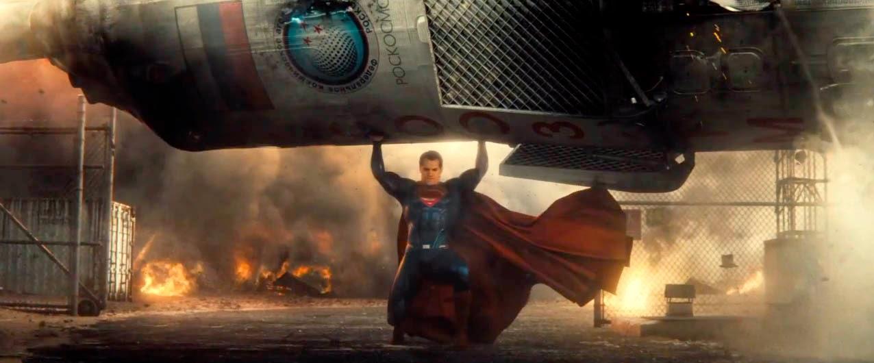 Henry Cavill en el tráiler de Batman V Superman
