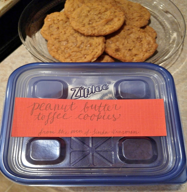 Label your cookies for gifting with a simple festive tag
