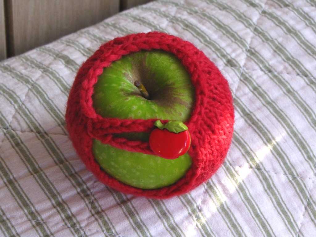 Apple Cozy / Jacket Knitting Pattern Tutorial - Natural Suburbia