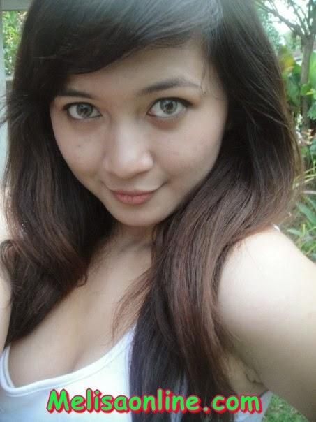 Fyrda, Cewek Eksebisionis Cantik Putih dari Yogyakarta 2014
