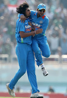 Ishant-Sharma-Raina-3rd-ODI-v-ENGLAND-2013