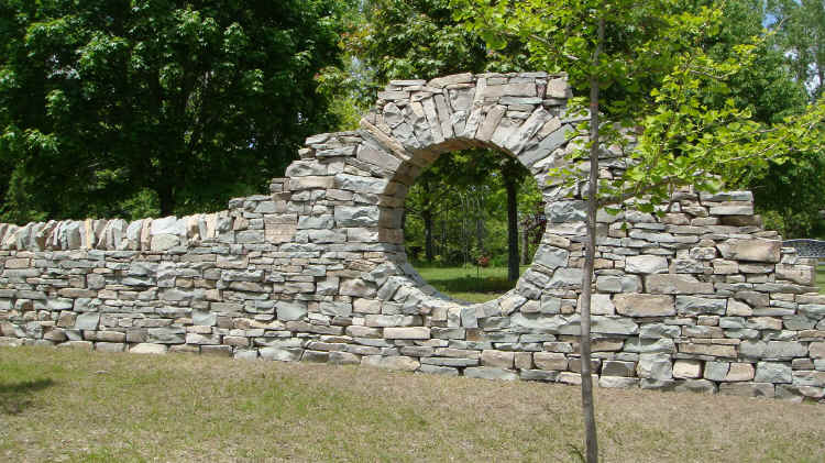 how to build a strong garden arch