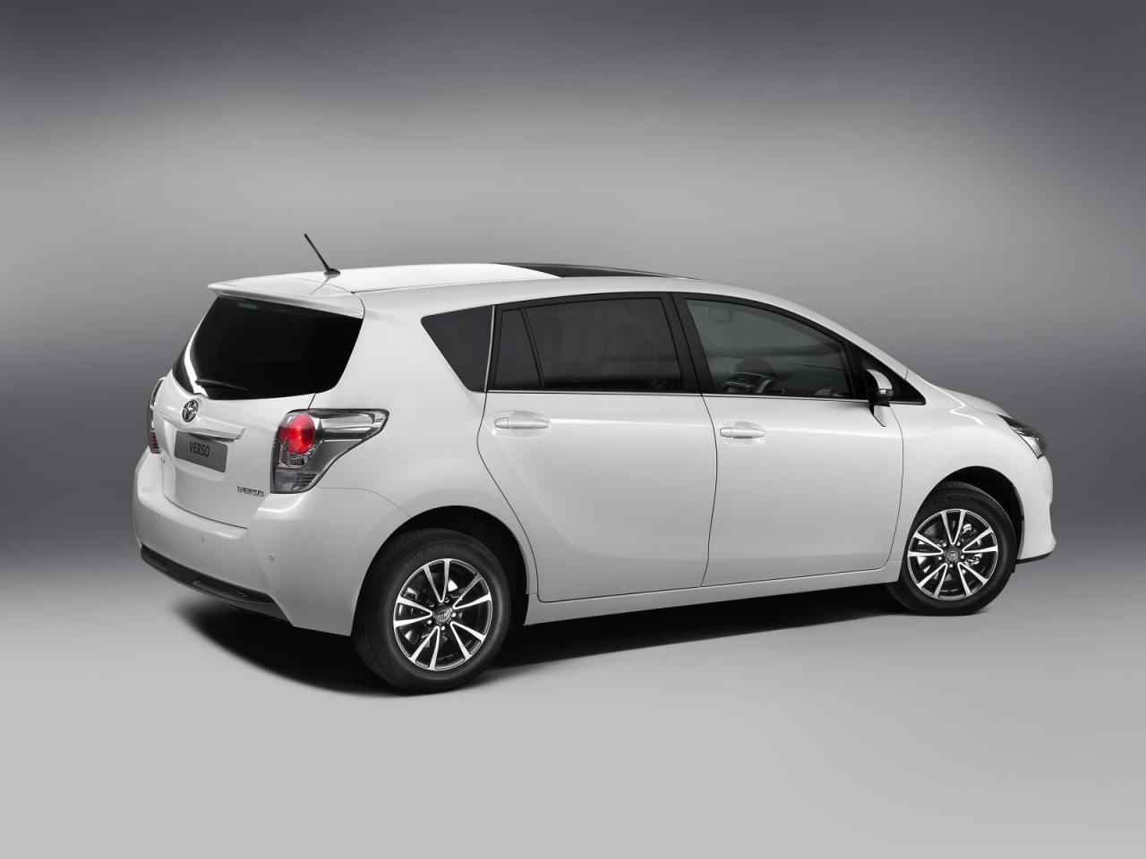 [Resim: Toyota+Verso+2.jpg]