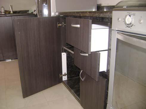 Su mueble a la medida puertas en color roble cenizo para - Cocinas color roble ...