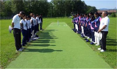 Minuto Raccoglimento Campionato Femminile Cricket 2012 - Ovale