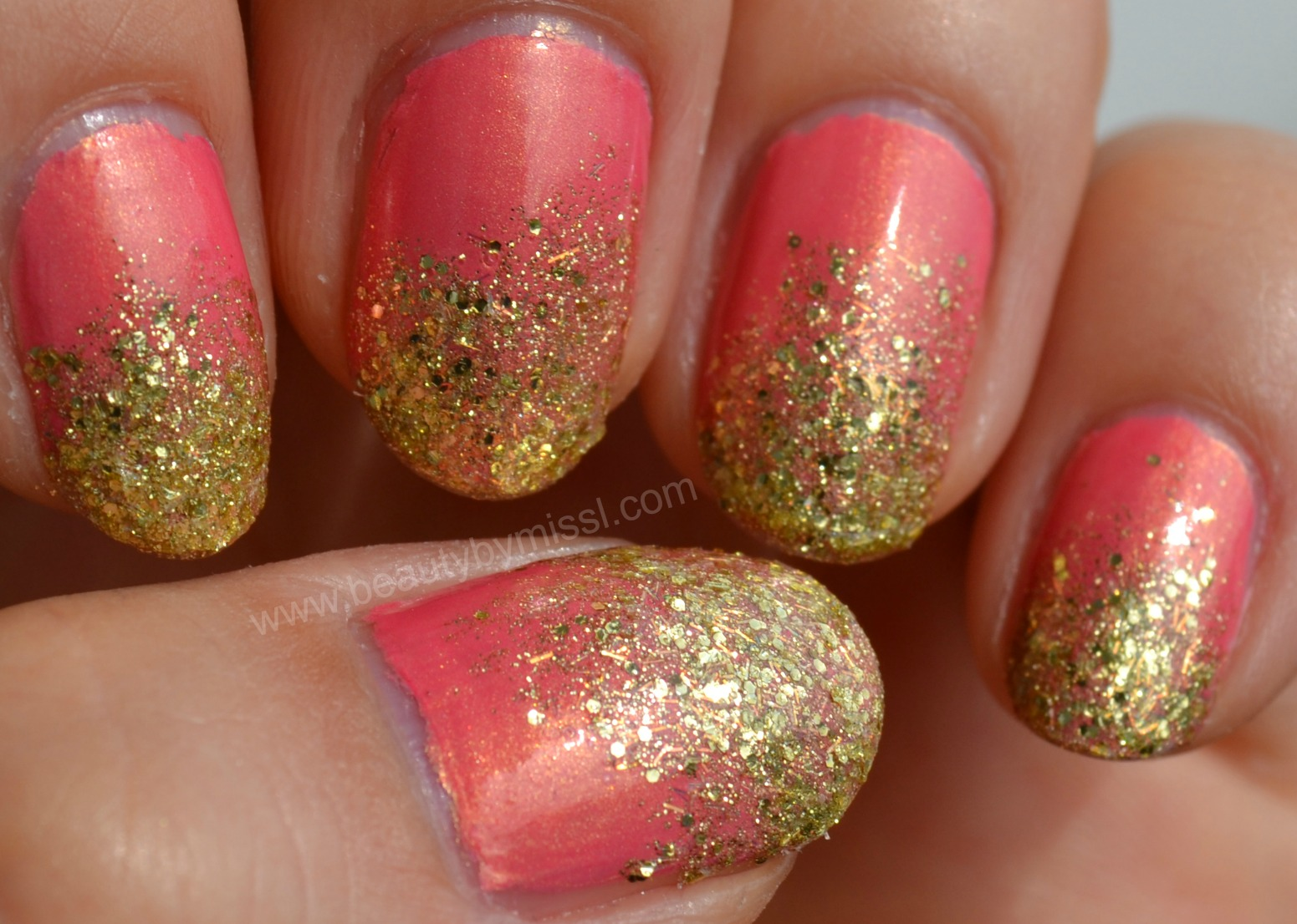 gold pink manicure