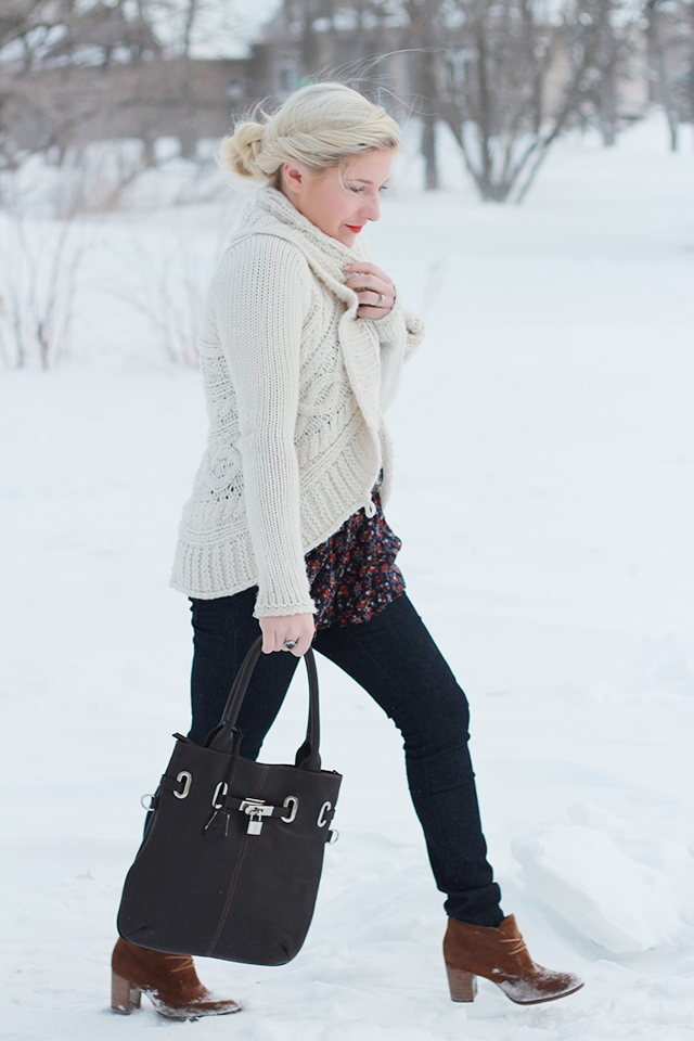 What to wear when it's freezing outside.  Inspiration from a Winnipeg Fashion Blogger.  Styles from Urban Behaviour and Aldo.