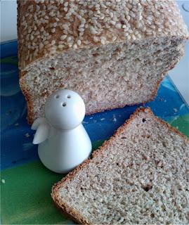 chleb z sezamem