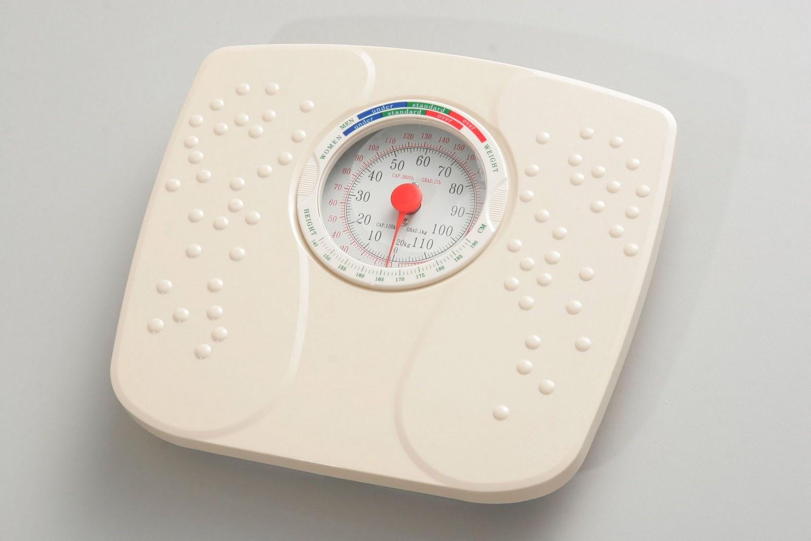 Balança p/ banheiro 120 kg mod. 2 cores: Branca/Preta R$ 27 60 Cx c  #C40A07 1600x1067 Balança Para Banheiro