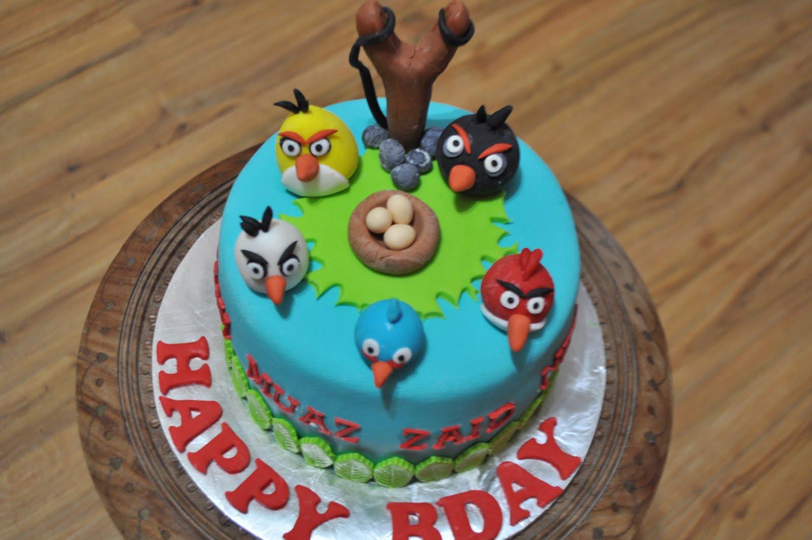 Cake With Fondant Bird : dari oven yang comel: Angry bird cake