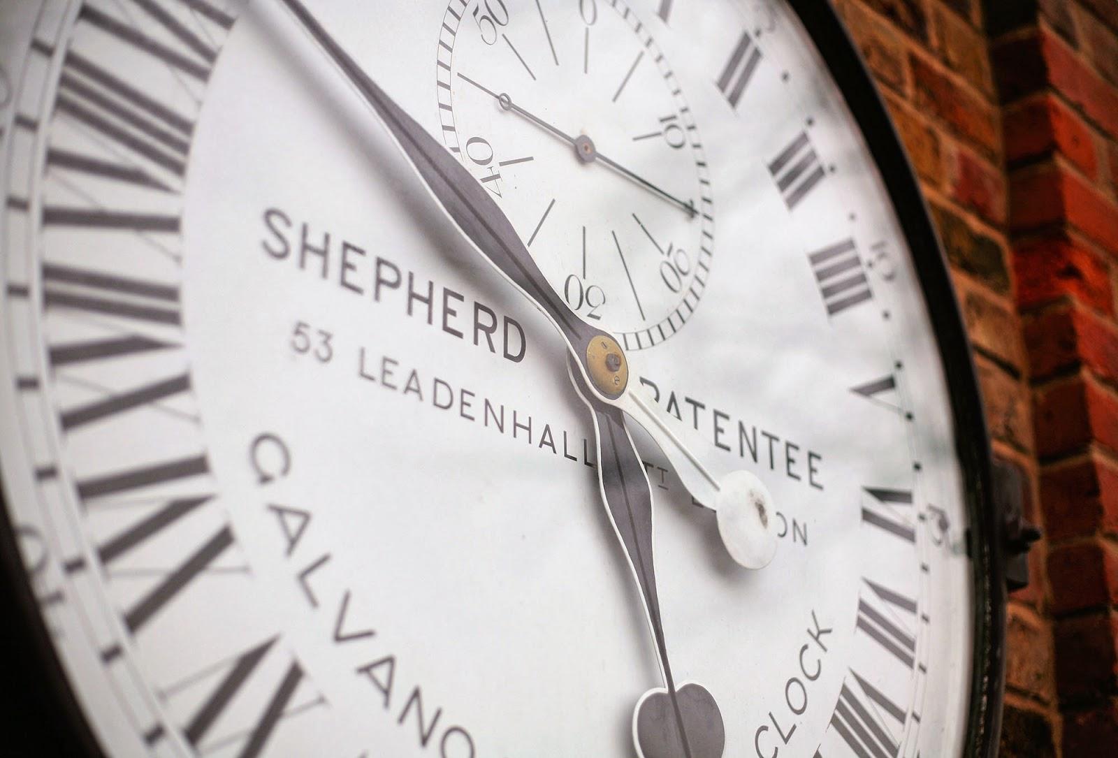 24 hour clock, Greenwich Meridian.