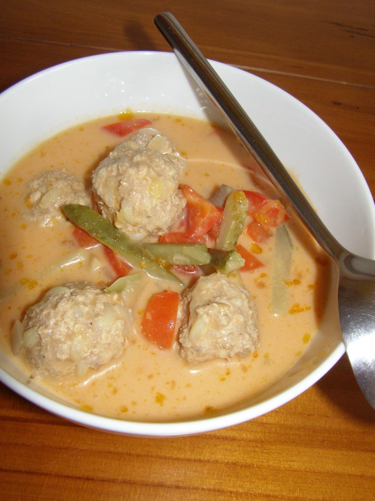 Agusiowe Gotowanie Pozywna Zupa Z Kuleczkami Z Mielonego Miesa
