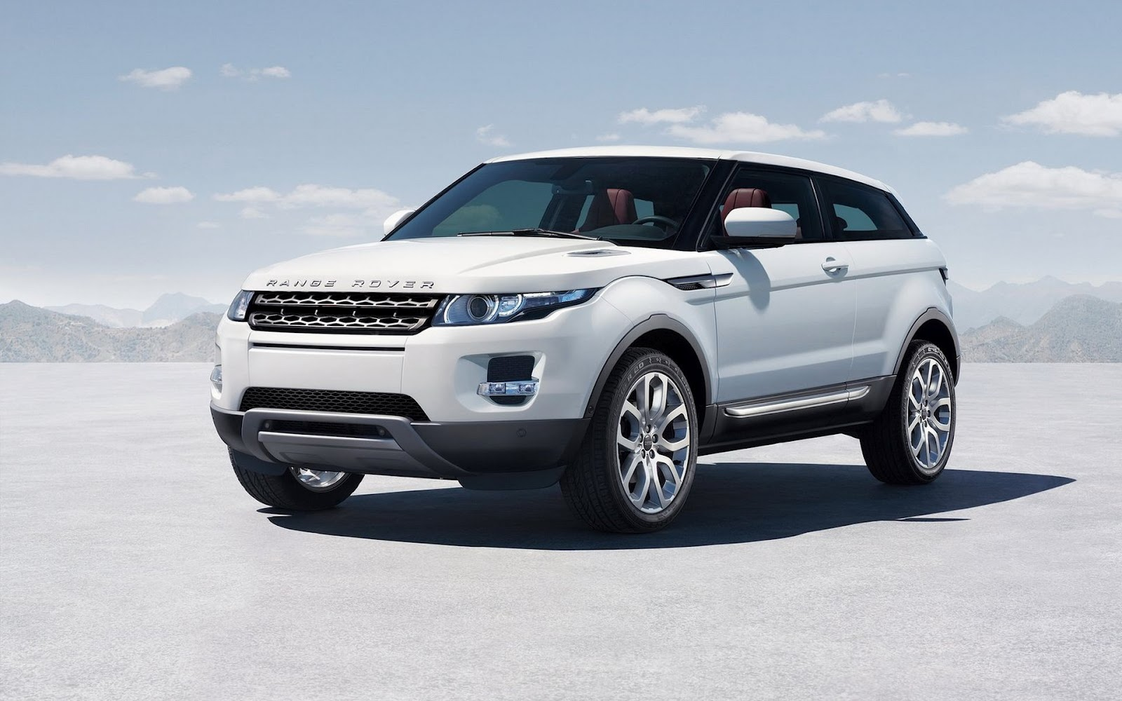 wallpapers of beautiful cars land rover range rover evoque. Black Bedroom Furniture Sets. Home Design Ideas