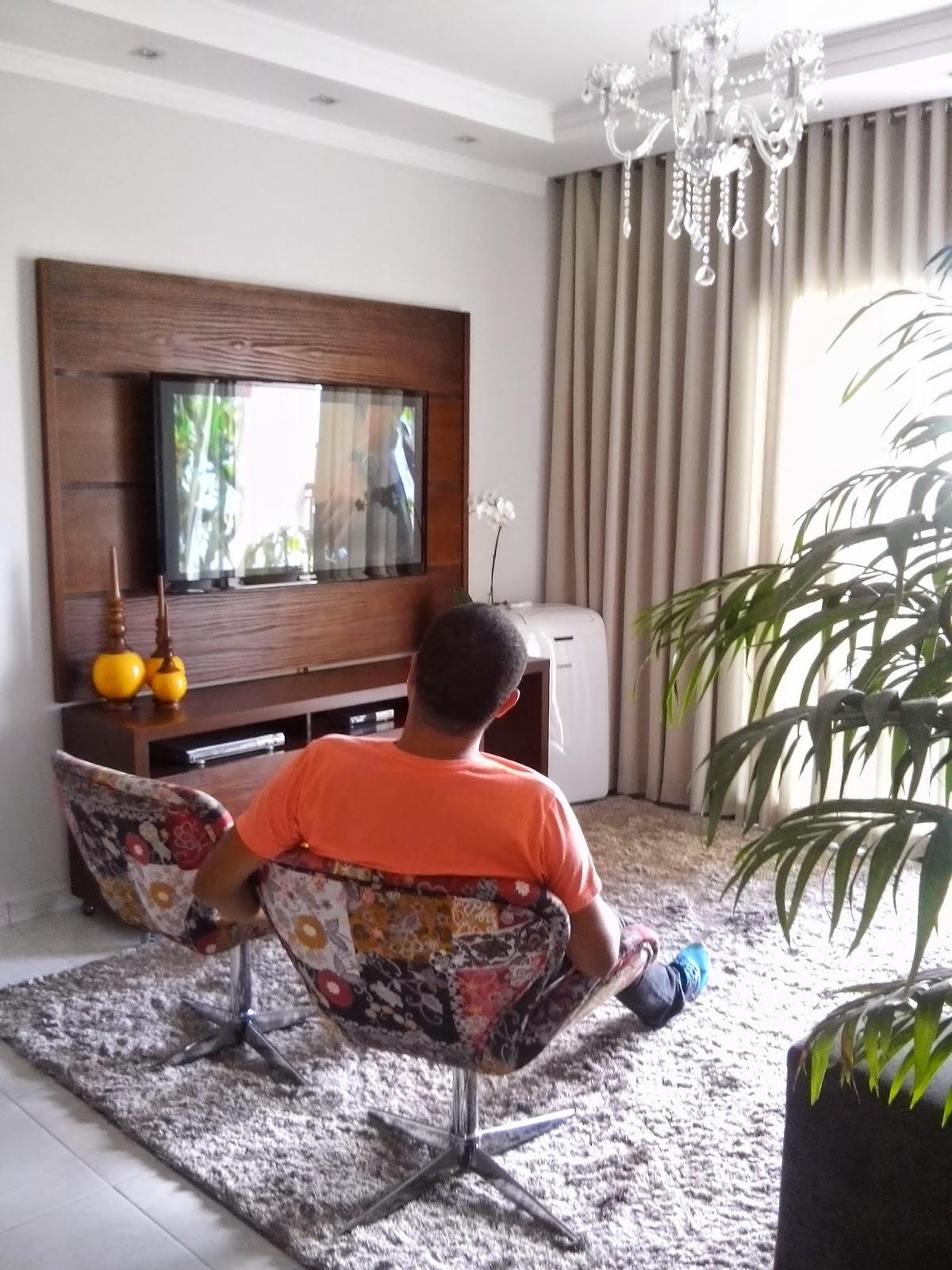 #A53A26 Outro angulo da sala esse tapete é um sonho muito macio quando  1200x1600 píxeis em Decoração De Sala De Tv Com Tapete E Almofadas