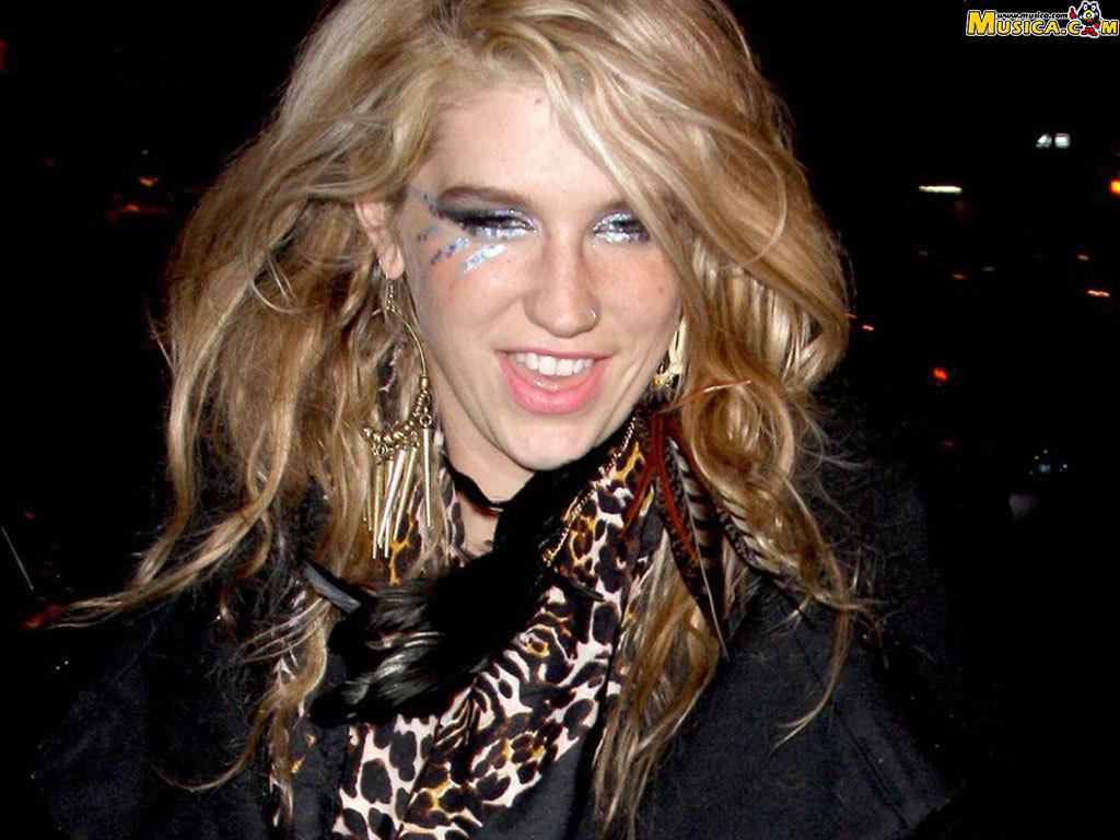 http://2.bp.blogspot.com/-jwjiu5KxOhc/UIDlwkZQq6I/AAAAAAAARiU/jVc4W1VHF7c/s1600/Kesha-hot-singer+(9).jpg