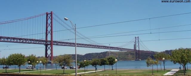 Puente 25 de Abril, de Lisboa (Portugal)