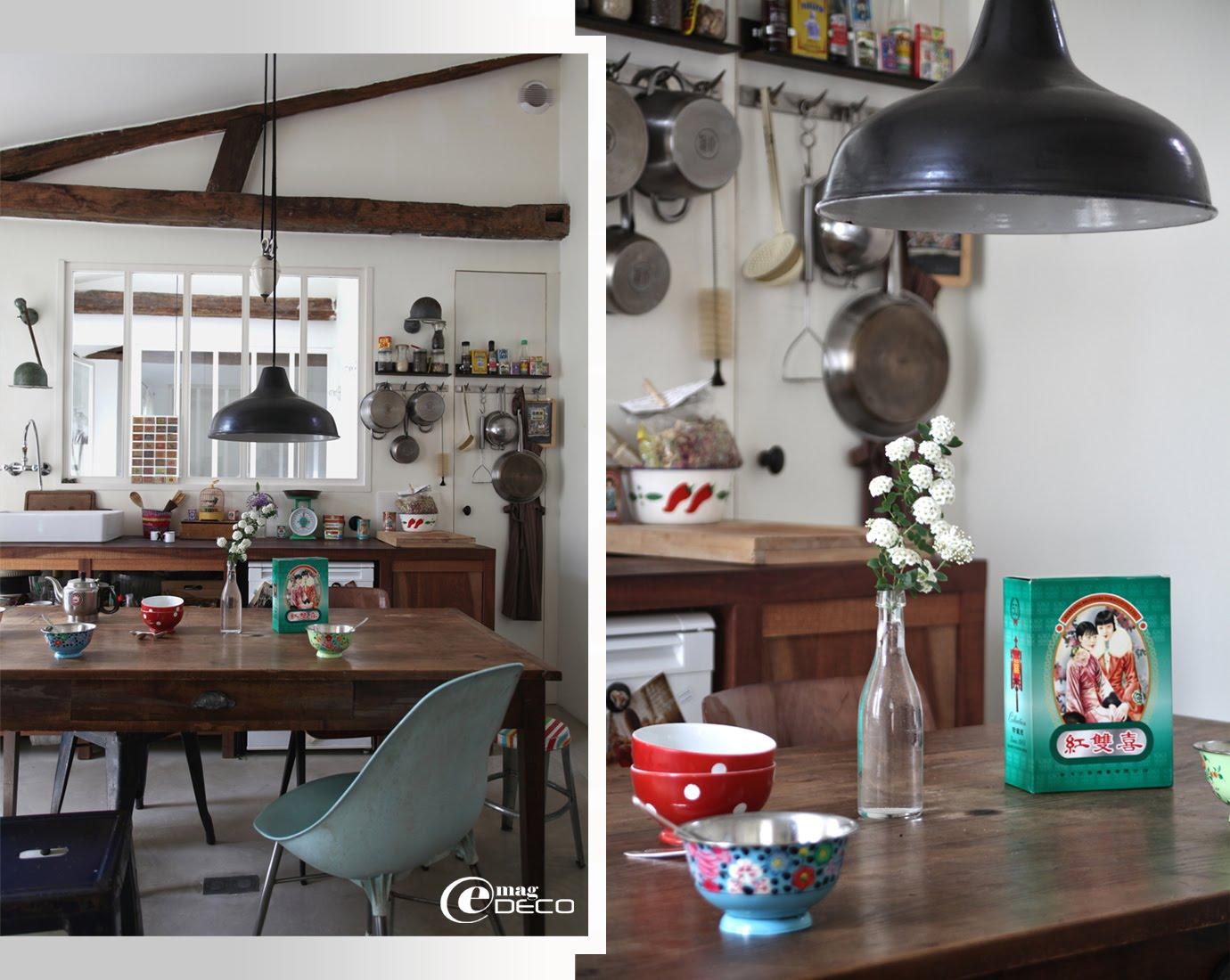 Détail de la cuisine imaginée par l'architecte d'intérieur Agathe Perroy dans un esprit atelier et brocante