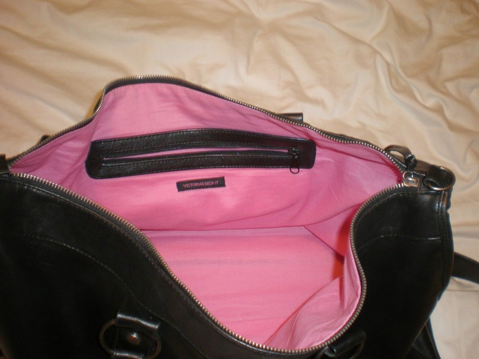 Victoria Secret Large Black with Hot Pink lining Duffel Bag/travel
