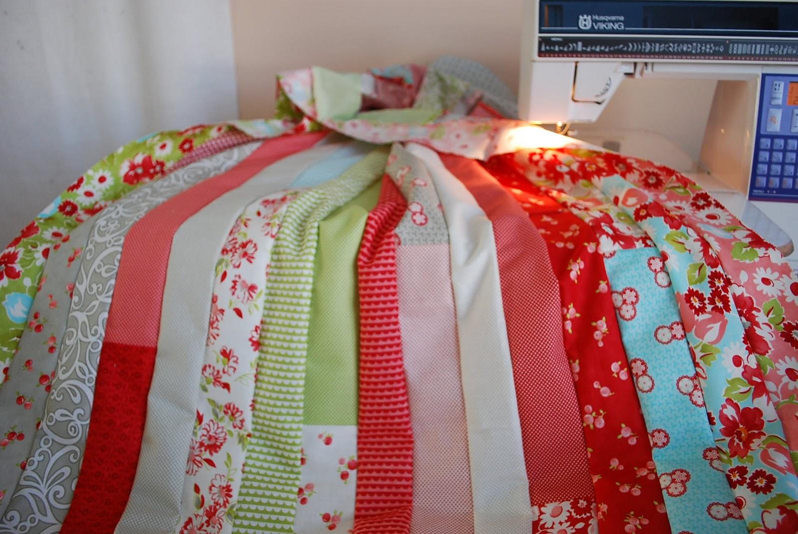 Crafty Garden Mom: Jelly Roll Race Quilt + Tutorial : jelly roll race quilt pattern - Adamdwight.com