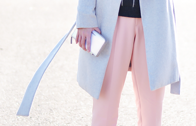 Detail photo, nikon D3100, 50mm F1.8 lens, pastel pink, fashion trend, photography, street style