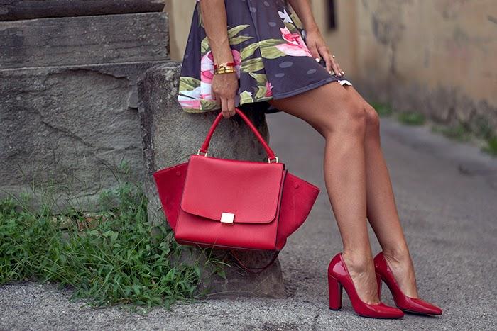 scarpe e borsa rosse