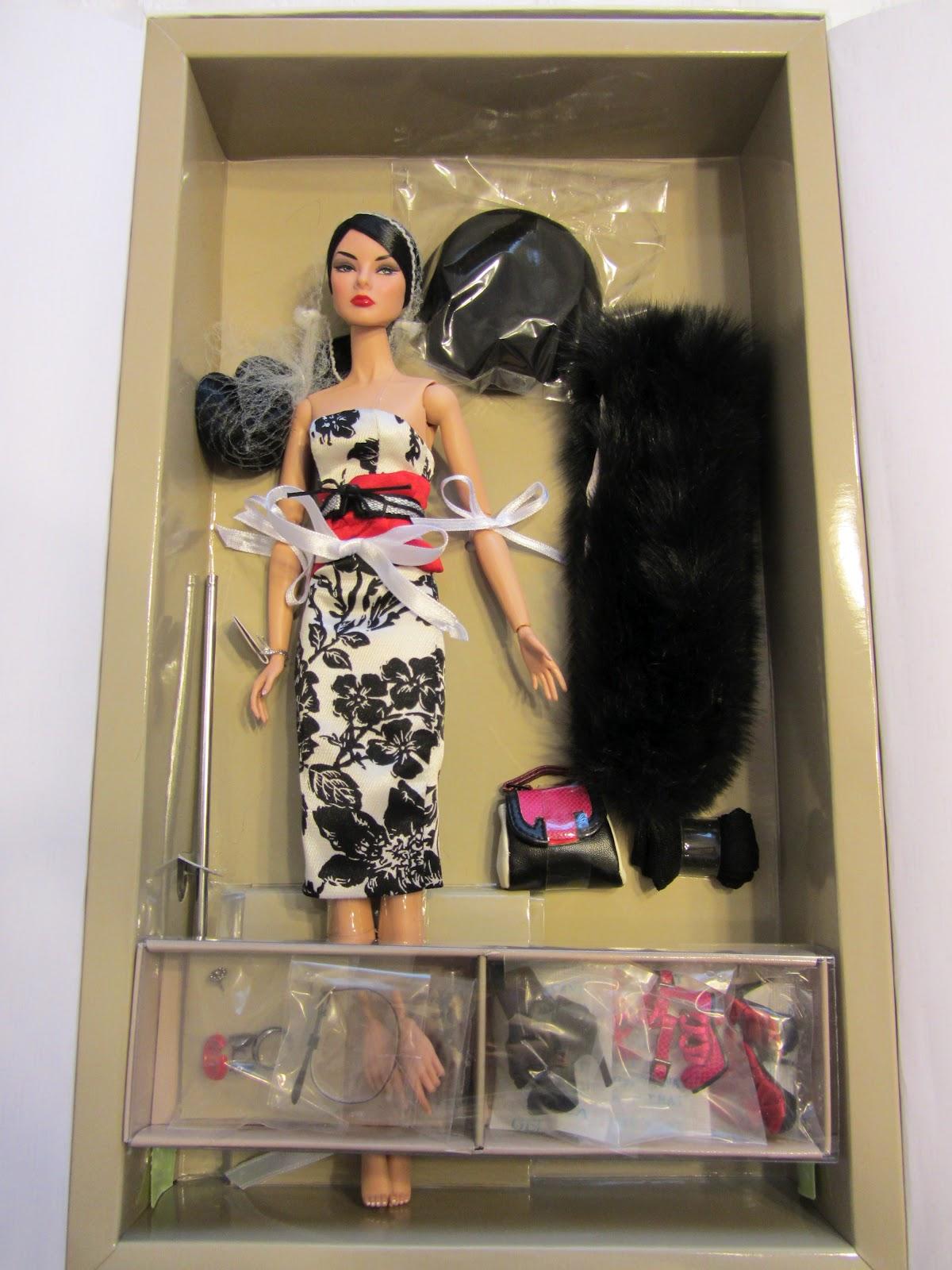 Saturday Morning Toyz: Fashion Royalty Glam Addict Giselle