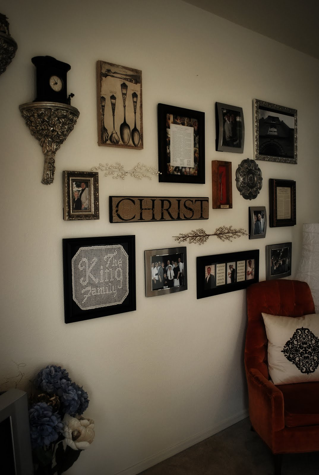 sarah dawn designs how to create a photo collage wall. Black Bedroom Furniture Sets. Home Design Ideas