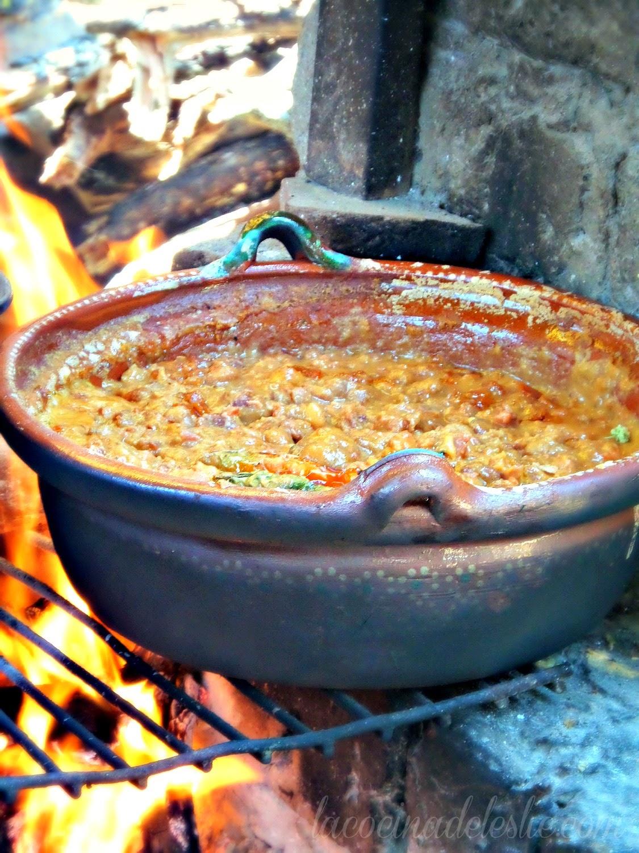 Campfire Frijoles Adobados - lacocinadeleslie.com