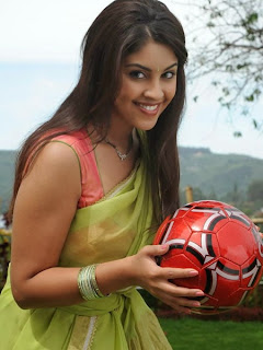 Richa Gangopadhyay with a football  (8).jpg
