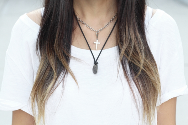 white t-shirt choker layered necklaces cross necklace