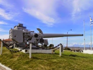 GRAF SPEE CANNON AT NAVAL MUSEUM IN POCITOS