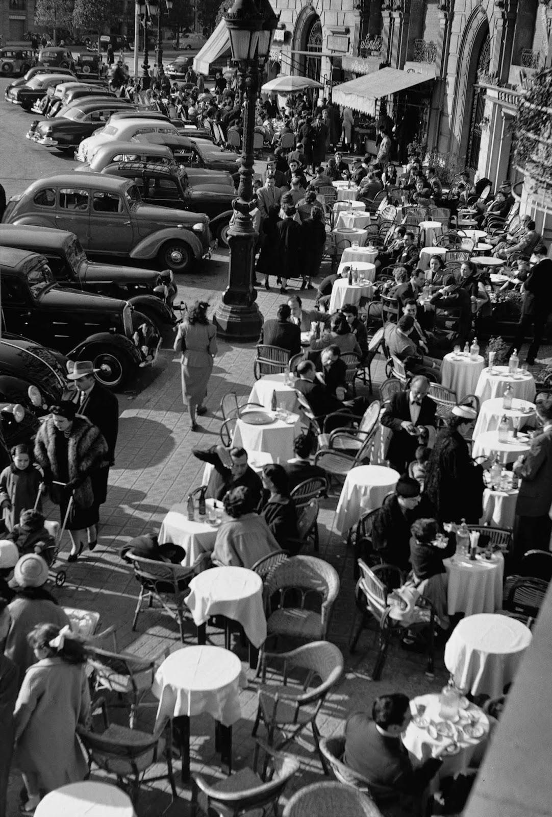 Amazing black white photos of street scenes of madrid for Roca barcelona