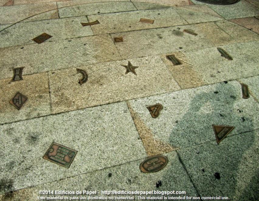 """Al lado del monumento a los """"protas"""" de cromos y cómics"""
