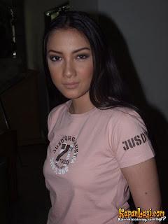 artis model terpanas tia ivanka cantik manis sexy