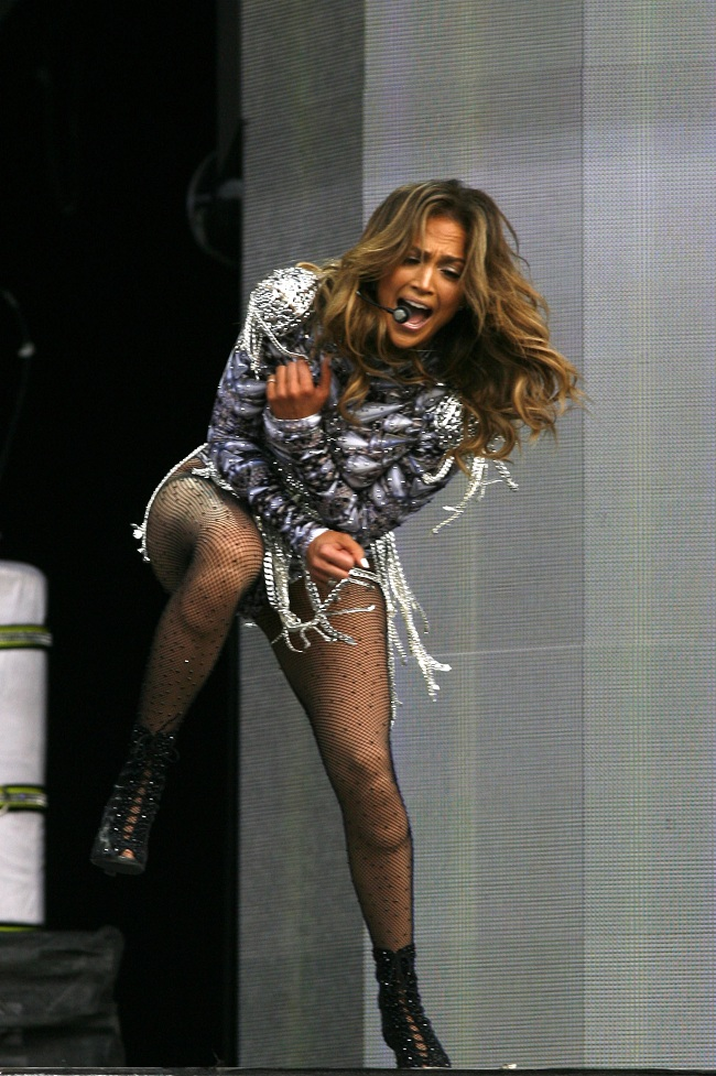 Jennifer lopez in pantyhose