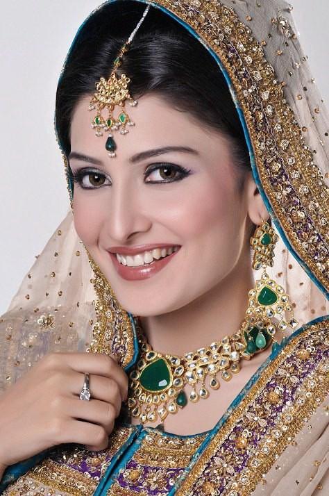 Actress Ayeza Khan At Bridal Couture Week 2013 For Madiha Noman Fashion Photos