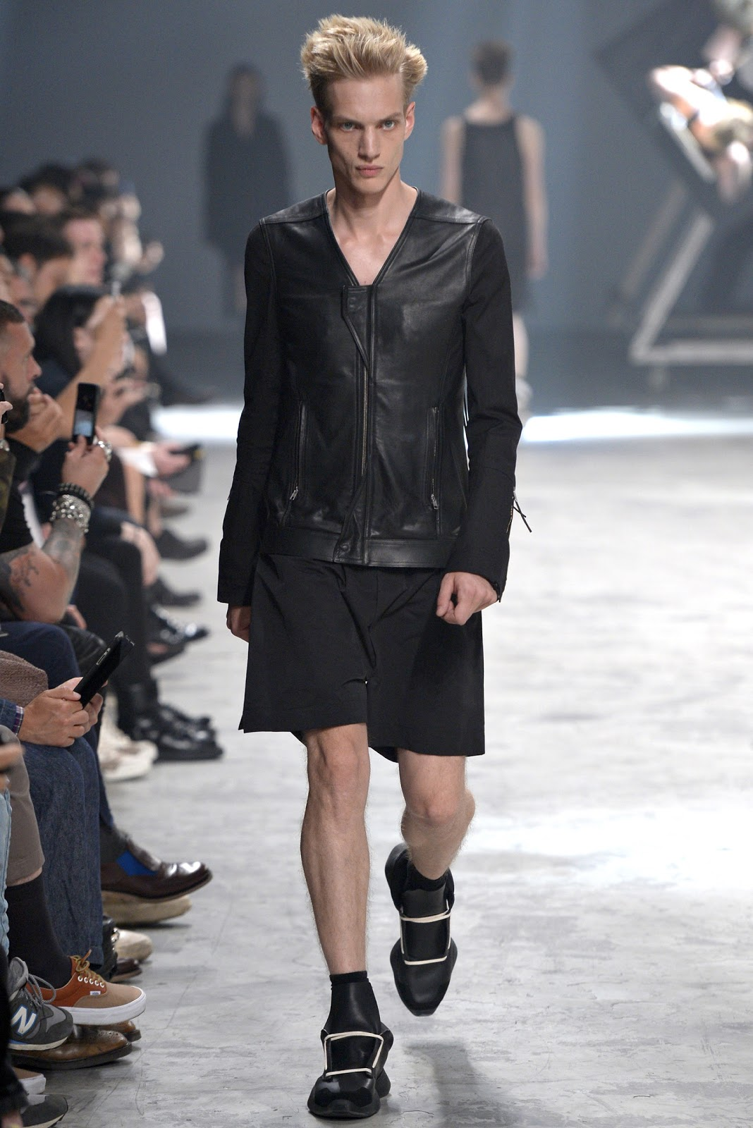 Male model otaku paul boche spring summer 2014 ny paris for Rick owens milan
