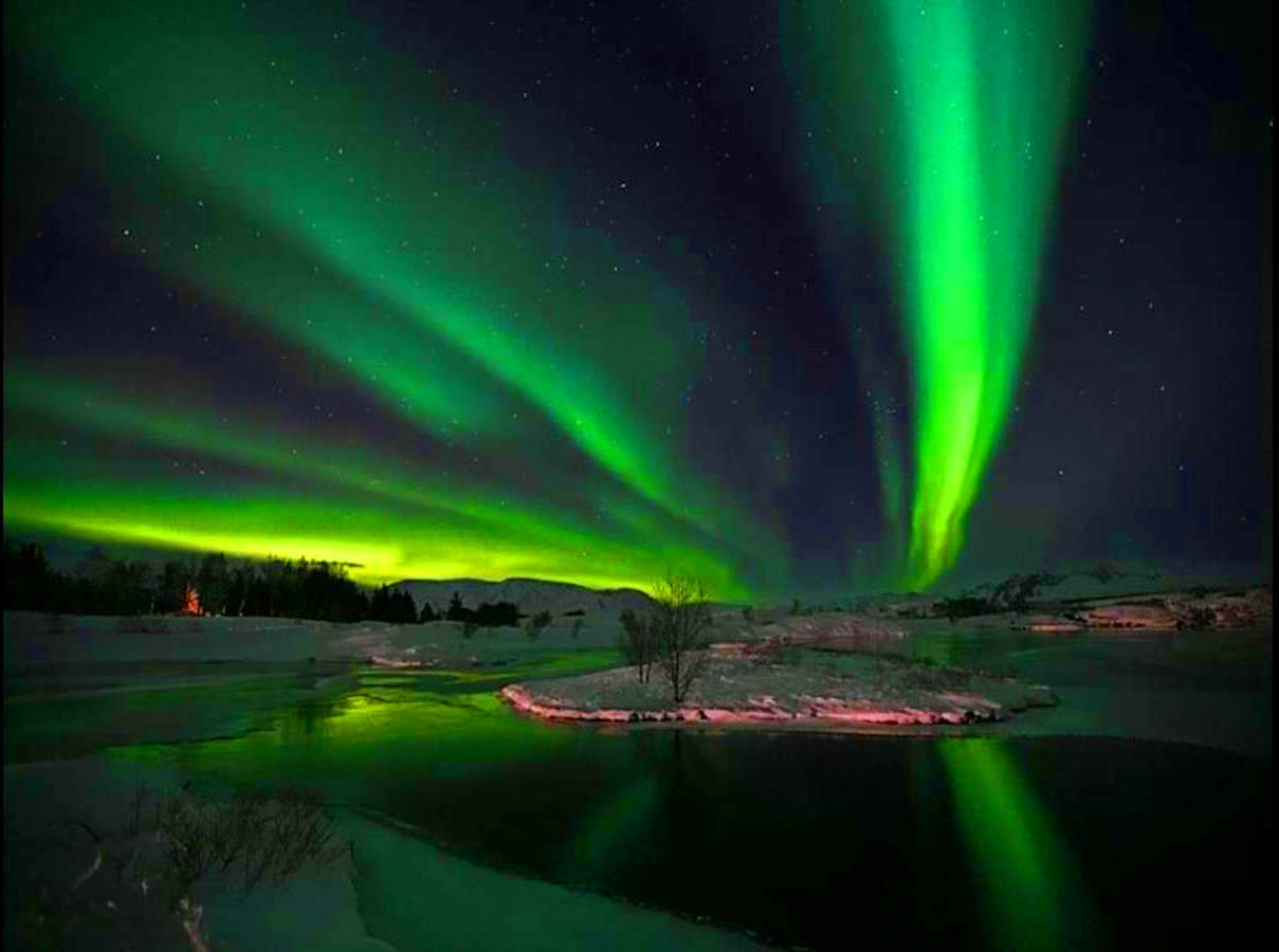 Northern Lights With R...