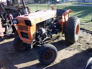 EQ-25294 Kubota L210 tractor