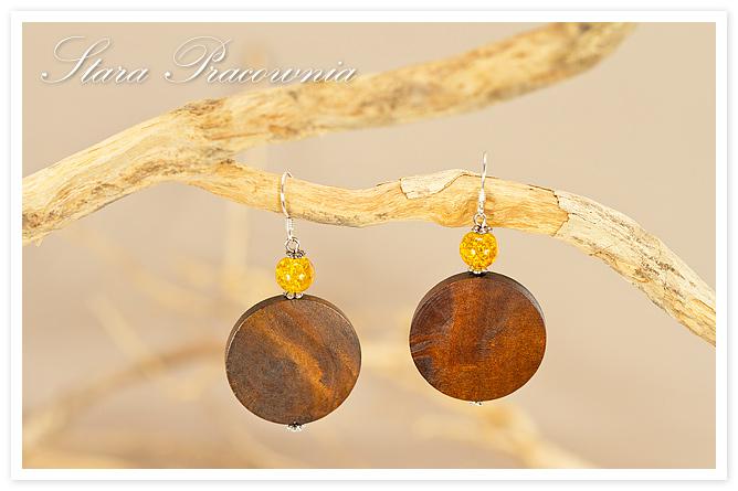 Kolczyki rękodzieło biżuteria autorska kolczyki hand made unikatowa biżuteria szkło crackowane kolczyki z drewnem