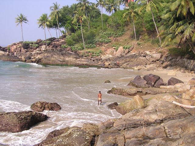 Дикий пляж в Варкале