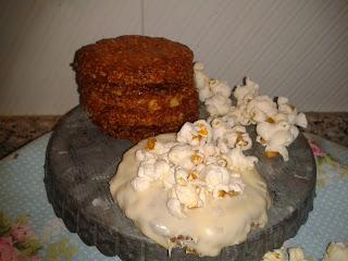Galletas de avena con chocolate blanco y palomitas