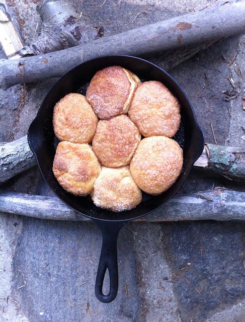 Monkey Bread | http://homemaderecipes.com/bbq-grill/10-campfire-recipes/